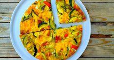 Pieczony omlet z warzywami, szynką i serem. Na patelni na oliwie przesmażmy przez 5 pokrojoną w piórka czerwoną cebulę,... Sprawdź! Guacamole, Food And Drink, Snacks, Breakfast, Ethnic Recipes, Lunch, Fitness, Per Diem, Gymnastics