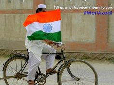 """Share your Tricolour moment with us. Tell us what """"Freedom"""" means to you CNN-IBN News Citizen Journalist #MeriAzadi"""