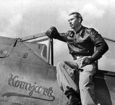 Konrad Bauer claimed his first of 18 victories over the Eastern Front on 20 March 1943. In 1944 he was transferred to the Western Front where he would claim another 39 victories. He was awarded the Knight's Cross of the Iron Cross on 31 October 1944 after his 34th victory. After the war he joined the new Luftwaffe and retired as a Hauptmann in 1960. Aircraft Photos, Ww2 Aircraft, Military Aircraft, Luftwaffe, Fighter Pilot, Fighter Jets, Focke Wulf 190, Sargento, German Soldiers Ww2