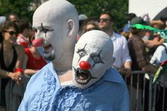 Clown costume with siamese twin... aweseome https://flic.kr/p/8bTFni   the horror   Some people recycled their Halloween costumes, it seems.