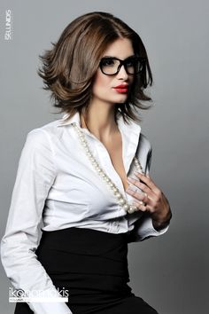 Super cute cut.    Hair : www.ikonomakis.gr  Photo : www.sellinidis.com