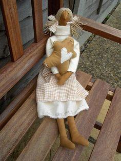 bambola tilda con gingerbread by countrykitty, via Flickr