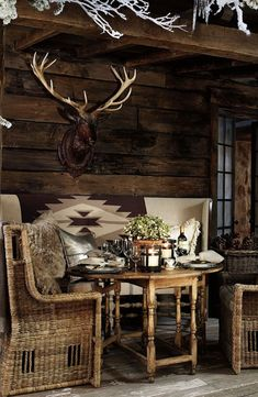 Ralph Lauren Home's Alpine Lodge collection provides gorgeous outdoor dining - t. - Ralph Lauren Home's Alpine Lodge collection provides gorgeous outdoor dining - the perfect setting for an apres ski Western Decor, Rustic Decor, Rustic Chic, Alpine Lodge, Cozy Cabin, Rustic Interiors, Cabana, Architecture, Beach House