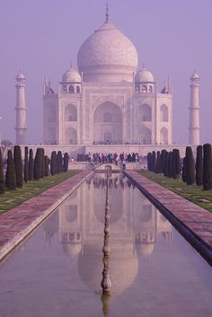 Taj Mahal: reflected symmetry, Agra - India