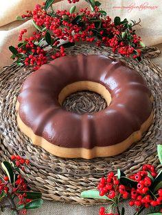 Corona de turrón y chocolate, una receta fácil, con pocos ingredientes, que se puede preparar con antelación y que además está riquísima!! Receta con y sin Thermomix