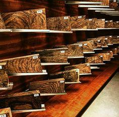 Blaser Beretta Shotgun, Rifle Accessories, Rifle Stock, Gun Rooms, Gun Art, Hunting Rifles, Wood Cutting Boards, Guns And Ammo, Wood Texture
