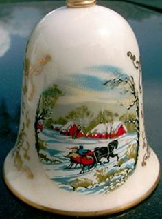 Vintage 1979 Gorham Fine China Porcelain Christmas Scene Bell - Sleigh Ride Gorham