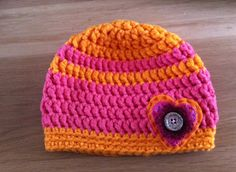 For my little girl: crocheted in MyBoshi nr.1,  added a fun heart application. It looks extremely cute on her, if only she would keep the hat on for more than 3 secs, I could take a picture...