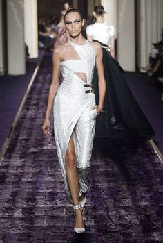Atelier Versace Fall-Winter 2014-2015 Haute Couture Collection.