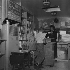 Bookmobile library. Kansas, 1958 © 3dmore/ebay