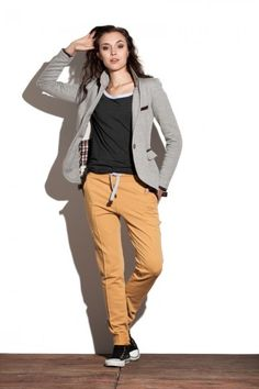 Spodnie z kantem - Nut http://bozzolo.pl/kobieta/spodnie-dresowe-damskie.html