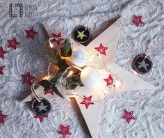Decoración Navidad - Potavelas - Estrellas - Sacos - Decoración nordica - Estilo nordico - Guirnaldas tela - Cesto rafia - Decoración navideña - Tienda onlice decoración - Centro de mesa navideño