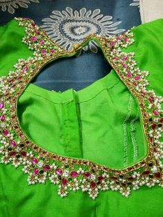 Gutta poosalu on blouse Silk Saree Blouse Designs, Bridal Blouse Designs, Blouse Neck Designs, Blouse Patterns, Silk Sarees, Blouse Desings, Maggam Work Designs, Blouse Models, Embroidery Dress