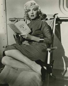 Norma Jeane (Marilyn Monroe) Parte Cuarenta y ocho Jane Russell, Gentlemen Prefer Blondes, Howard Hughes, Classic Hollywood, Old Hollywood, Hollywood Glamour, Hollywood Divas, Hollywood Heroines, Marilyn Monroe Fotos