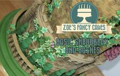 How to make shrubbery and bushes from icing for cakes How To Tutorial Zoes Fancy Cake Zoes Fancy Cakes, Pie Crust Designs, Fondant Tips, Garden Cakes, Cake Youtube, Cake Central, Fondant Toppers, Modeling Chocolate, Cake Decorating Tutorials