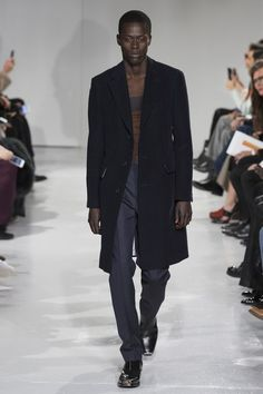 See the complete CALVIN KLEIN Fall 2017 Menswear collection.