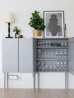 How to transform ivar cabinet from IKEA to luxurious and modern home styling. Unique Bedroom Furniture, Bedroom Furniture Makeover, Sideboard Furniture, Diy Furniture Projects, Ikea Furniture, Furniture Design, Modern Furniture, Furniture Storage, White Furniture