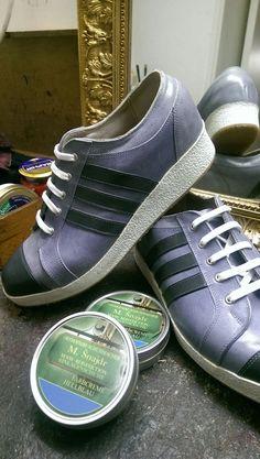 Orthopädische Maßschuh  aus Wien, auch so kann ein orth. Maßschuh aussehen MODELL Snajdr/Wien Adidas Gazelle, Adidas Sneakers, Shoes, Fashion, Chic, Model, Adidas Tennis Wear, Adidas Shoes, Zapatos