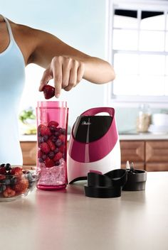 """""""Fruit blender"""" portable fruit blenders Fruit Blender, Oster Blender, Pink Kitchen Appliances, Dorm Packing Lists, Best Blenders, Dorm Essentials, Magic Bullet, Specialty Appliances, Salad Bar"""