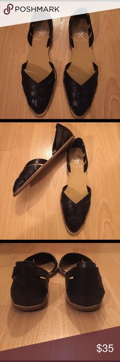Vince Camuto Flats Vince Camuto black leather flats! Excellent condition I only wear them once. Confortable and soft. Vince Camuto Shoes Flats & Loafers