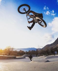 @lntstefan laying it out during a #christmas session yesterday in #bolzano!  @kevin19mair  #bmx #flybikes #bike #bicycle #style #gopro