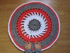 lovely people :) Hecho con amor y con nuestros materiales, por Regina  #hechoamano #crochet #ganchillo #sacocharte #trapillo
