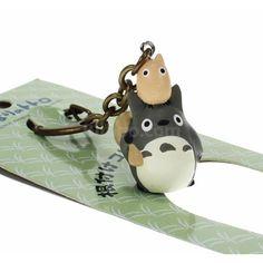 Totoro avaimenperä (O & Chibi) Kawaii Gifts, Fantasy Films, Japanese Candy, My Neighbor Totoro, Kawaii Shop, Hayao Miyazaki, Studio Ghibli, Chibi, Polymer Clay