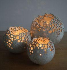 Deko Lichterkugeln von Mo Keramik - My WordPress Website Decorative light balls by Mo Keramik - Garden MO ceramics: Original ceramics - creative and unique. Make these plaster candle holders How to make really cool round ball shaped planters with cement. Cement Art, Concrete Crafts, Concrete Art, Clay Projects, Clay Crafts, Diy And Crafts, Ceramic Pottery, Ceramic Art, Cerámica Ideas