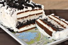 Frozen Oreo Ice Cream Cake - Make and Takes