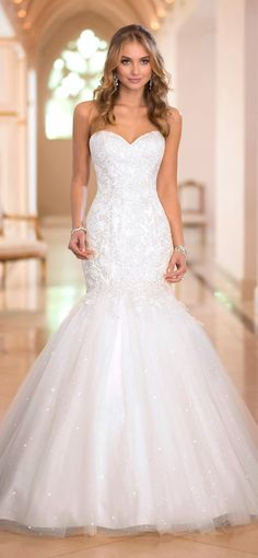 Stella York Fall 2014  | bellethemagazine.com - #Bride #BridalGown #Wedding from @foreverfriends_ http://foreverfriendsfinestationeryandfavors.com
