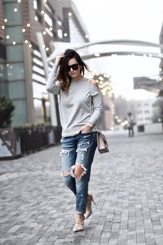 Sweater:  Topshop  {also  HERE  in bordeaux & black} | Denim: Zara {similar  HERE ,  HERE  +  HERE } | Shoes:  Gi...