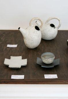 Tea pots like cave paintings, by Tetsuya Yamamoto. #ceramics