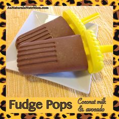 Frozen Fudge Pops! With coconut milk and avocado. Super creamy, healthy, and delicious! (Paleo) By Jenny at http://www.AuNaturaleNutrition.com