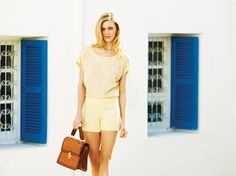 """Moda dünyasının güçlü markası adL """"Working Chic"""" koleksiyonuyla 2013'e hızlı bir giriş yapıyor. Koleksiyonun fotoğraflarını ünlü moda fotoğrafçısı Lara Sayılgan çekerken markanın İlkbahar/Yaz yüzü ünlü model Tara Jean oldu."""