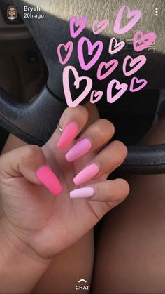 On average, the finger nails grow from 3 to millimeters per month. If it is difficult to change their growth rate, however, it is possible to cheat on their appearance and length through false nails. Summer Acrylic Nails, Best Acrylic Nails, Pastel Nails, Pink Ombre Nails, Pink Acrylics, Colorful Nails, Pink Summer Nails, Bright Pink Nails, Matte Pink Nails