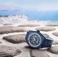 Limited to just 25 pieces, the new Defy Classic Mykonos Edition by Zenith is graced with the colors of the Greek flag . Le Locle, Greek Flag, Watch News, Blue Band, Blue Tones, Star Shape, Mykonos, Classic