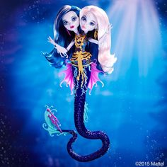 victhorlilmonster: Peri and Pearl Serpentine twin daughters of Hydra. Peri is a little bit good , Pearl is a whole lot of bad #GreatScarrierReef SOURCE: @monsterhigh