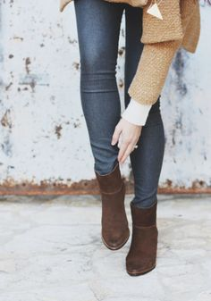 Skinny jeans and small boots