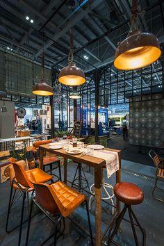 Mesas altas para hostelería Brisa Land de la firma Francisco Segarra.