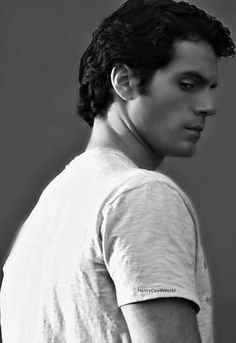 Henry Cavill... that look...