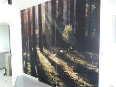 Ukryte drzwi? 👍 Wy też jako dzieci marzyliście o tajemnym przejściu w domu?😉😄 #fototapeta #fototapety #fototapetywroclaw #wallpaper #walldecor #wall #dekor #design #dekoracje #wnetrza #homedecor #home #homeinspiration #homedesign