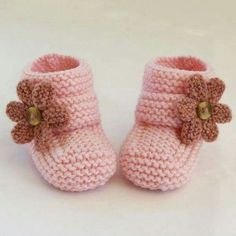 ***NO shipping charge for this item as it is a PDF file. All files are emailed out within 24 hours of payment.Baby slippers love the pattern and neutral color Baby Knitting Patterns, Knitting For Kids, Baby Patterns, Baby Shoes Pattern, Knit Baby Booties, Crochet Baby Shoes, Knitted Baby, Booties Crochet, Gestrickte Booties