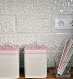 Backsplash simply about home: Serce domu / Kitchen / Ceramic Tiles / Mint / Pink / White Kitchen Kitchen Redo, Kitchen Tiles, Kitchen Remodel, Country Kitchen Backsplash, Kitchen White, Countertop Concrete, Tile Countertops, Shabby Chic Kitchen, White Tiles