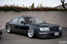 ballin out of control Lexus 400, Toyota Crown, Chrysler 300c, Japan Cars, Jdm Cars, Car Manufacturers, Custom Cars, Cool Cars, Nissan