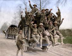 Canadian soldiers returning from Vimy Ridge, May 1917