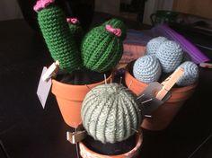 Hæklede kaktusser...