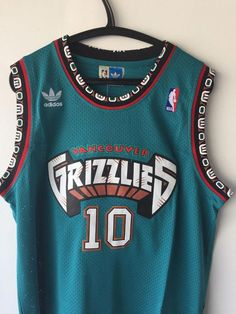 NWT Mike Bibby  10 Vancouver Grizzlies Throwback Basketball Jersey Teal Men   9862a3a54