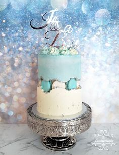 Fault Line Baby Shower Cake for a Boy💙 Fault Line Baby Shower Cake for a Boy💙 Cake Icing, Buttercream Cake, Cupcake Cakes, Pretty Cakes, Cute Cakes, Beautiful Cakes, Gold Birthday Cake, Baby Birthday, Cupcake Pictures