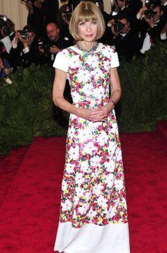 Anna Wintour en la alfombra roja de la gala MET 2013 en Nueva York