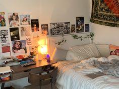 Room Design Bedroom, Room Ideas Bedroom, Bedroom Decor, Bedroom Inspo, Chambre Indie, Deco Studio, Indie Room, Pretty Room, Aesthetic Room Decor